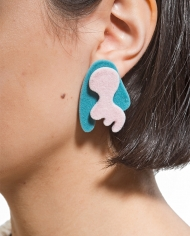 Camouflage_stud_earrings_pink_blue