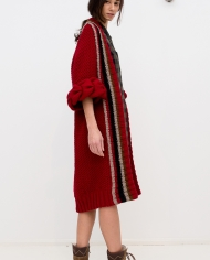 Knitted_red_cardigan_LOOM_with_braids_side